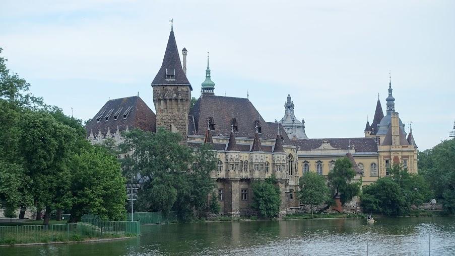沃伊達奇城堡建物群
