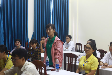 Sinh viên Huỳnh Thị Tổ Châu phát biểu