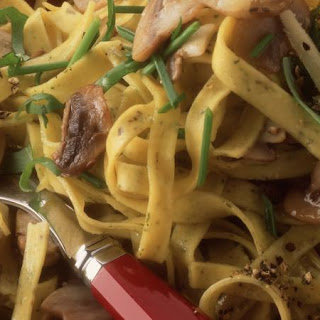 Tagliatelle with Mushrooms and Basil