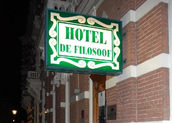 l-ingresso-dell-hotel.jpg