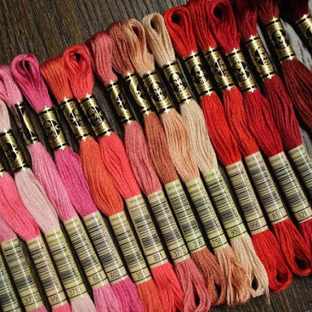 Broderigarn DMC - röd, rosa. cerise