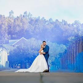 Smoke Bomb wedding by Nici Pelser - Wedding Bride & Groom ( bride, love, wedding dress, groom, wedding couple, blue, wedding, smoke bomb, weddingday )