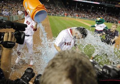 ? Boston weet wel hoe het feesten moet: baseballkampioenen krijgen onwaarschijnlijke parade door de stad