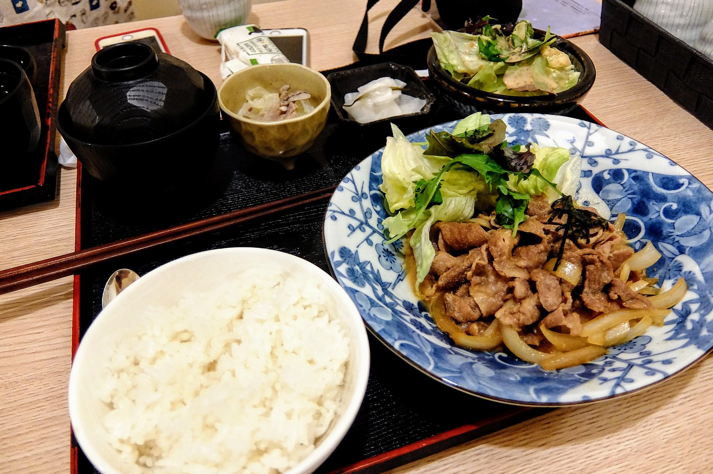 薑汁豬肉定食