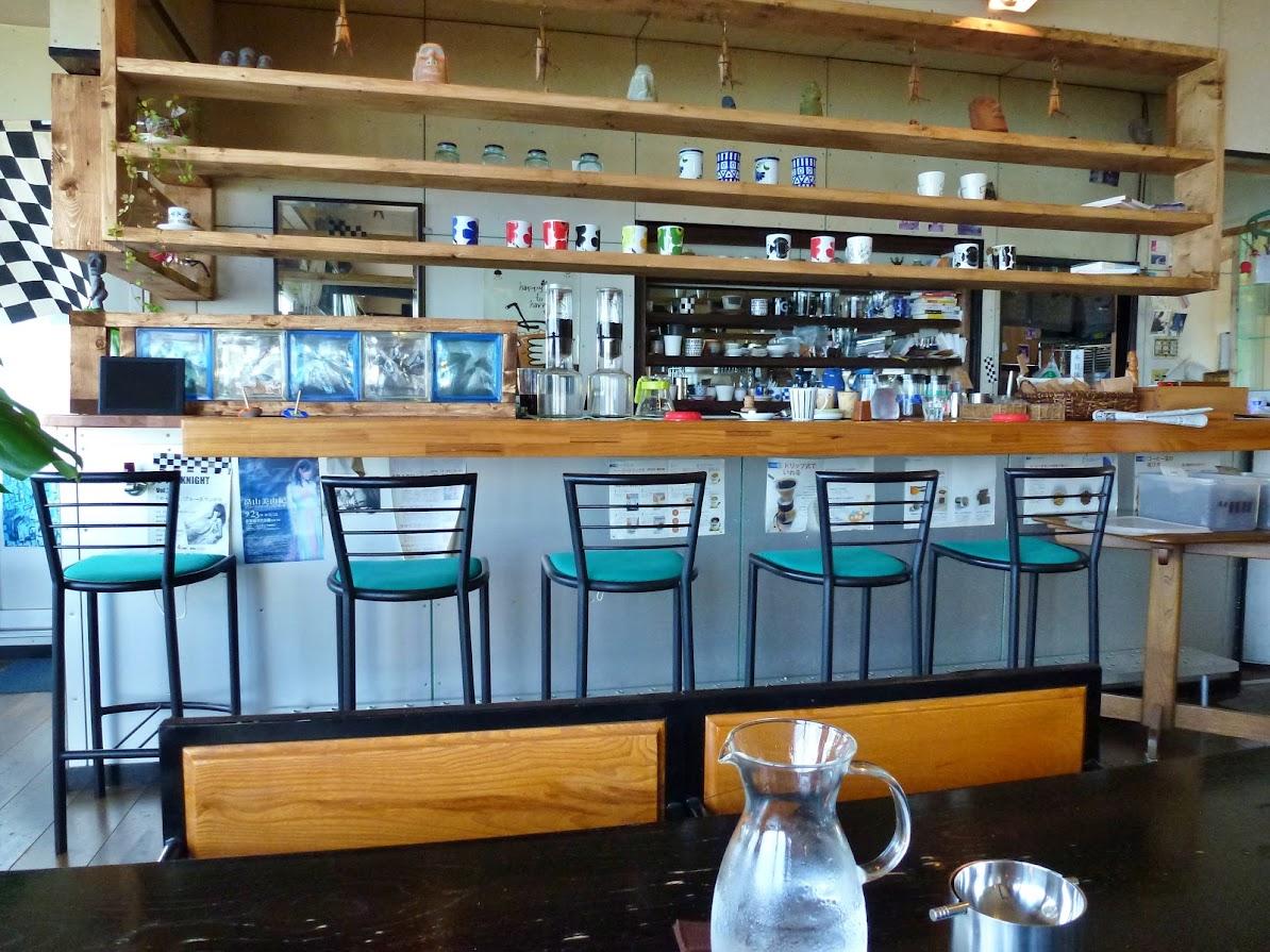 海の見えるカフェ.G(珈琲神社)店内