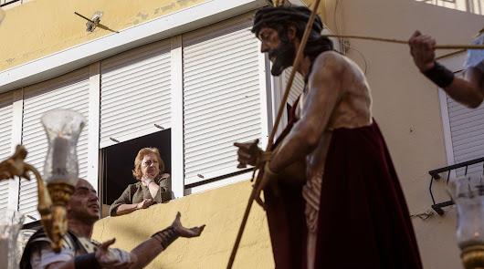 El barrio de Los Molinos perdona a su Hermandad
