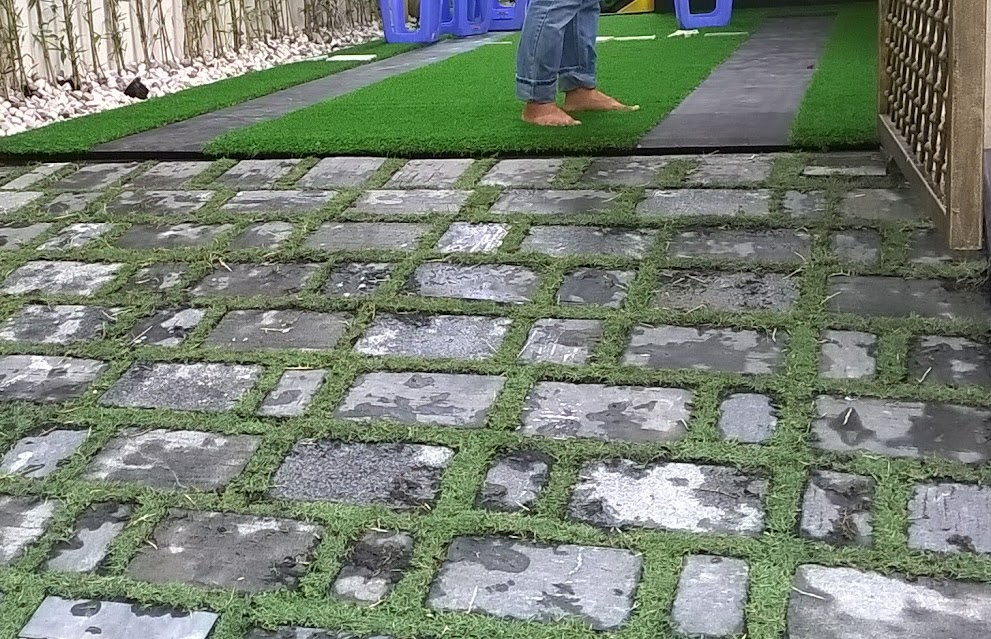 nguồn cội thảm cỏ nhân tạo và  giá bán thảm sân golf