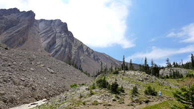 Photo: Tilted layers of Madison limestone on the way up to the pass.