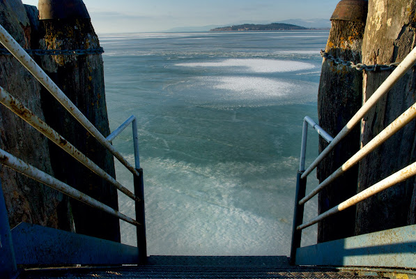 Passeggiando sul ghiaccio fino all'isola!