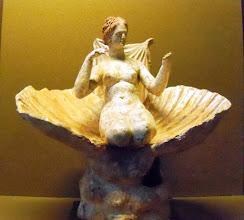 Photo: Kneeling Aphrodite Corinth 275-300 BC .......... Knielende Aphrodite uit Korinthe 275-300 v.C.