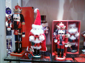 Photo: The gift shop specializes in nutcrackers during the Christmas season, thanks in large part to Peter Tchaikovsky. But these are made in China; I only want the ones made in Germany!
