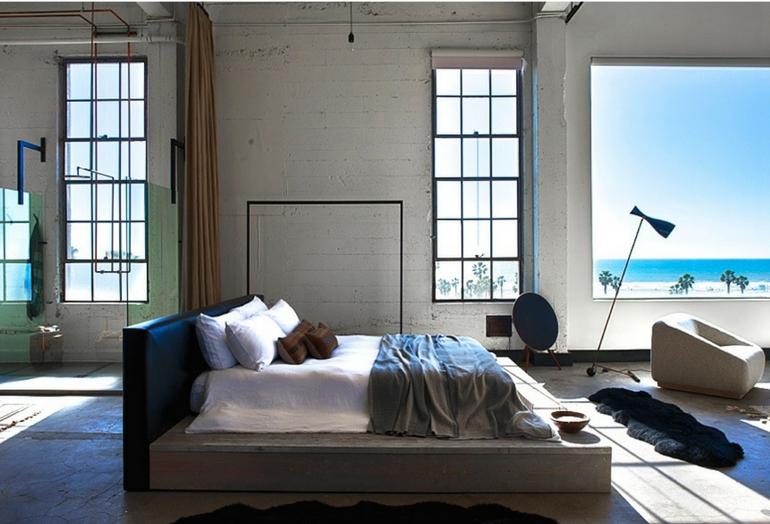 Inspirasi kamar tidur minimalis bergaya industrial - source: apartmenttherapy.com