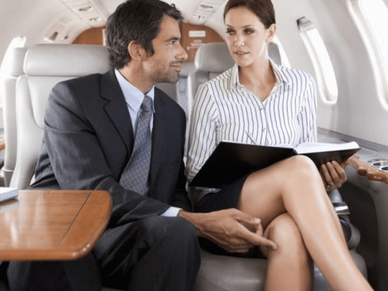 Vợ ngoại tình do làm những ngành nghề có xu hướng ngoại tình cao.