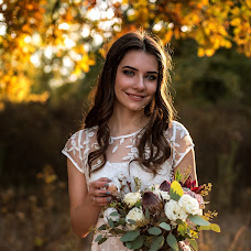 Wedding photographer Ekaterina Bobrova (Bobrova). Photo of 12.10.2017