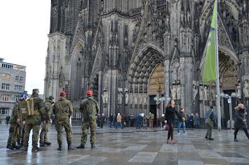 2019 Soldatengottesdienst vor Dom.jpeg