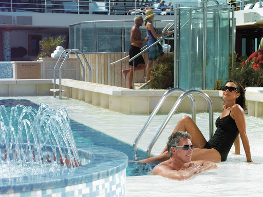 Oceania-Marina-pool.jpg - Take a dip in the pool during your cruise on Oceania's Marina.