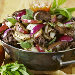 Warm Liver and Salad with Fruit.