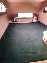 Photo: 恵丸の「キャビンの中」です。 ・・・もうじゅうたんじゃ、暑苦しい! そこで~。