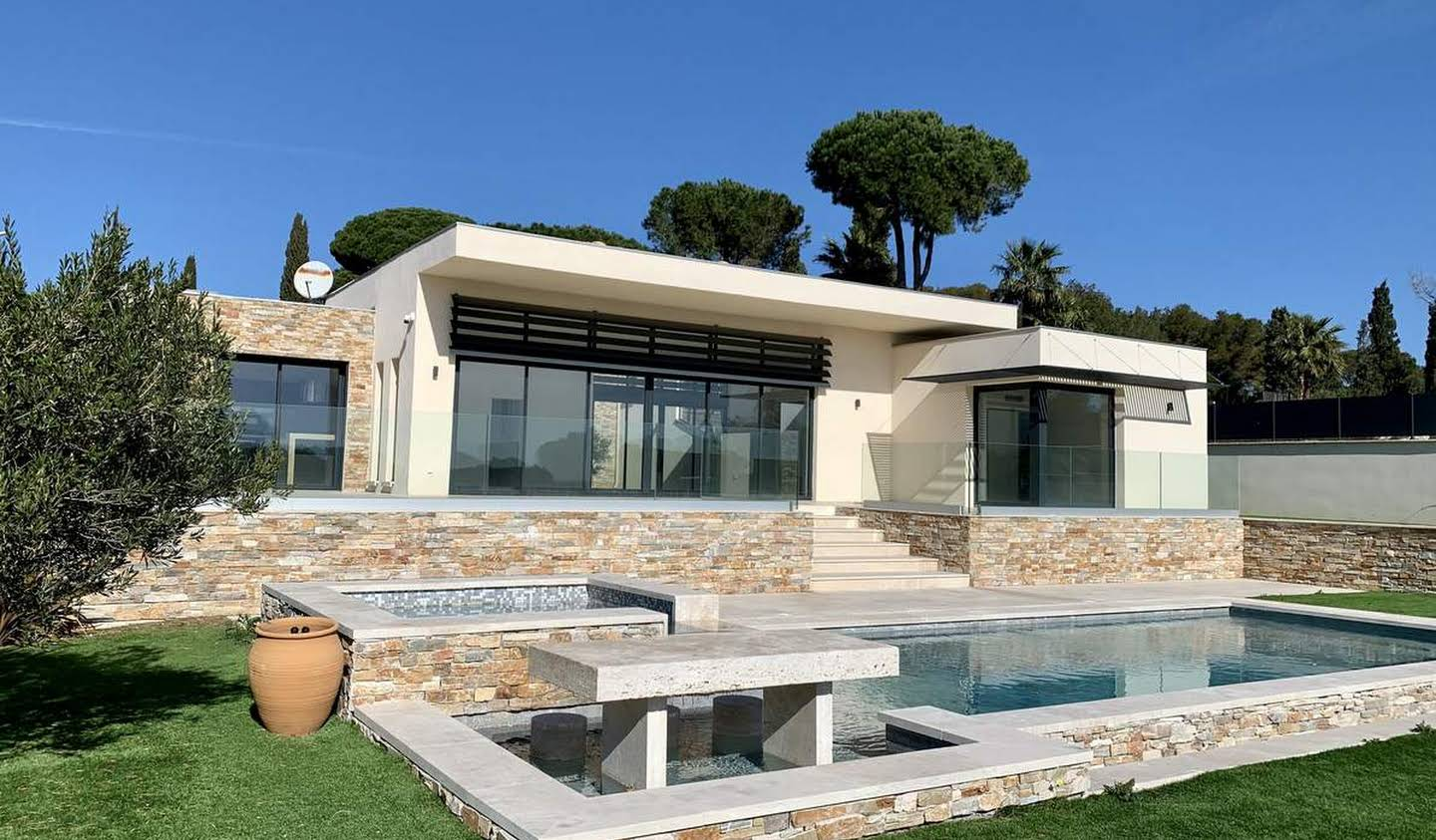 Seaside villa with pool Sainte-Maxime