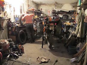 """Photo: Karakol, nocna zmiana opon u Vladiego w garażu ... """"ja toże motocyklista""""... i przedziurawił dętkę ..."""
