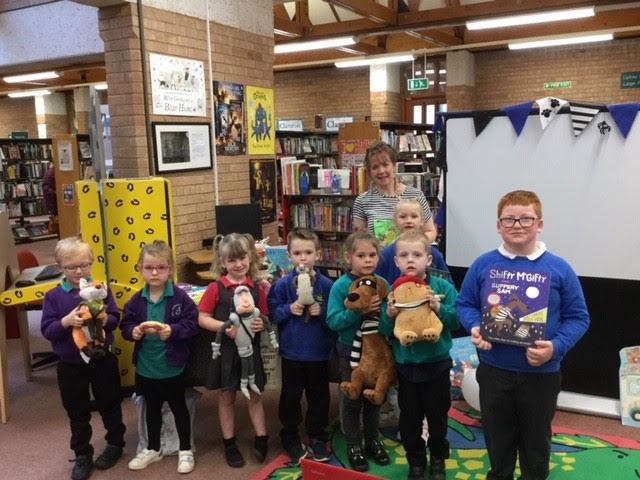 Famous author entertains Newtown pupils