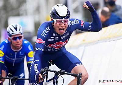 """Philipsen erg fier na eerste zege voor Alpecin-Fenix en gaat dit jaar Tour rijden: """"Fantastisch om zo'n lead-out te hebben"""""""