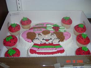 Photo: Strawberry Shortcake w/ extra Cupcakes