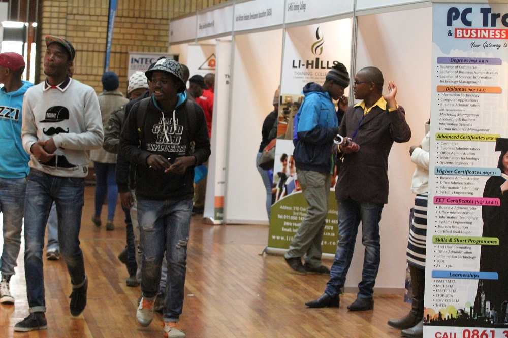 Youth centres to be established to combat unemployment