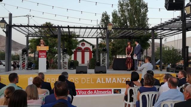 La subdirectora de La Voz, Antonia Sánchez Villanueva, ha pronunciado el discurso inaugural.
