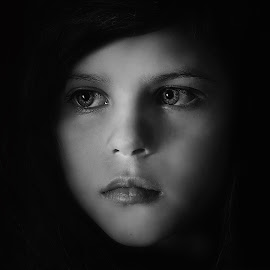 I see by Lucia STA - Black & White Portraits & People