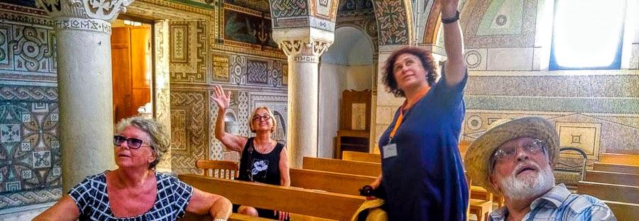 Светлана Фиалкова - гид в Израиле на экскурсии в монастыре в Иудейских горах.