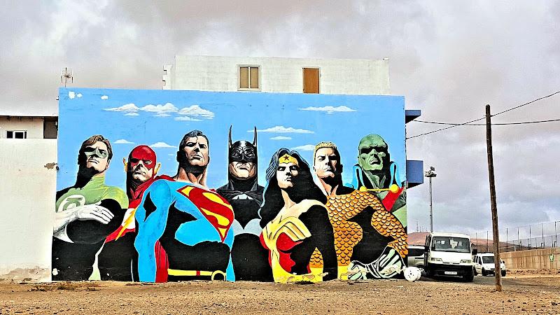 Supereroi nel deserto di Lisa_Chiarelli