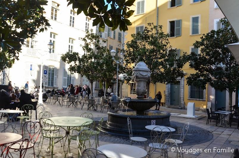 Toulon - place Senes