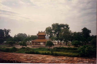 Photo: Phu Văn Lâu, nhìn từ cột cờ xuống