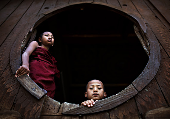 Myanmar monks di alessandrobergamini