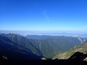 西側の展望(奥に恵那山)