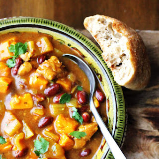 Mediterranean Chicken Stew with Sweet Potatoes, Beans and Green Olvies.