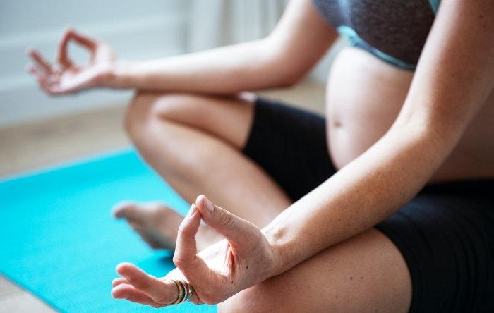 Jógázni mindenki elkezdhet, az alkalmazott jógával pedig egy-egy speciális területre fókuszálhat egészségi és lelki, mentális állapota harmonizálása érdekében.