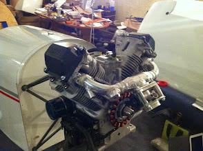 Photo: ça y est!! bâti terminé, installation du moteur ok, reste ajustement injecteurs et j'en passe....