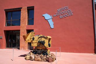 Photo: ... l'histoire de l'exploitation minière de la bauxite.