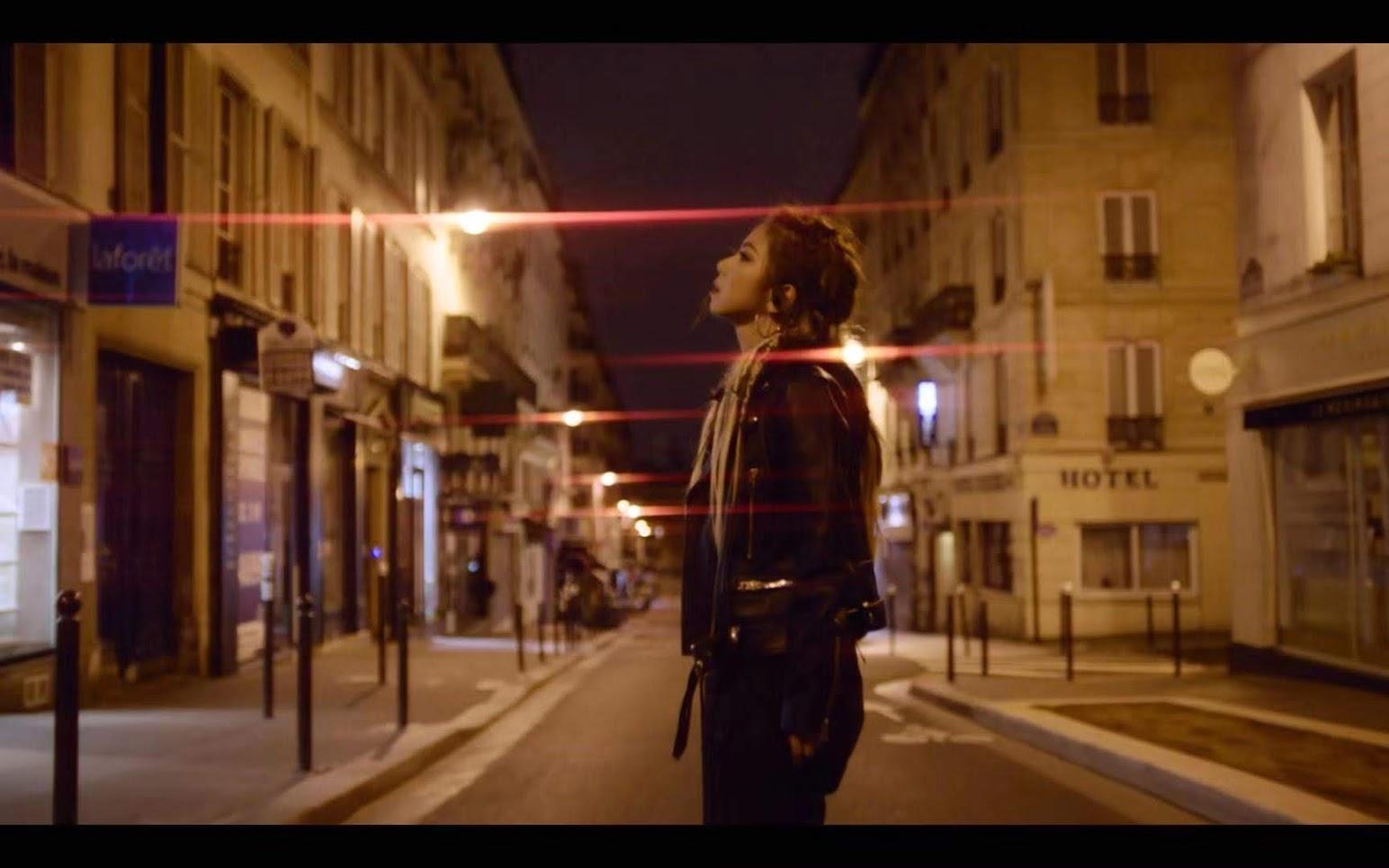 鄧紫棋 推出全新MV 〈Fly Away〉 夜遊巴黎街頭 為憂鬱症患者發聲