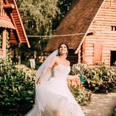 Wedding photographer Ekaterina Bogoyavlenskaya (vasuletek). Photo of 20.10.2017