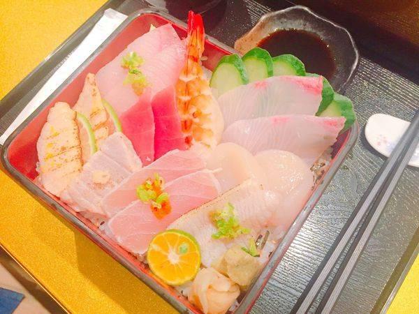 ✿雲壽司✿比日本還有日本氣息的日式料理 ! 推薦每日限量五份的散壽司丼飯~