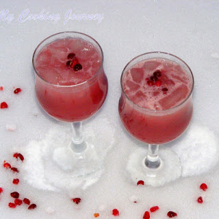 Pomegranate and Orange Juice – A Famous Street drink of Istanbul.