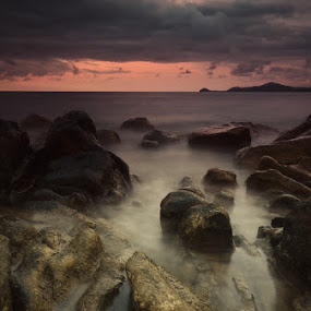 Storm Is Coming by Rahaditha Bachtiar Hunowu - Landscapes Weather ( water )