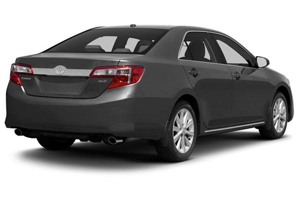 angular-rear-of-the-Toyota-Camry-2012