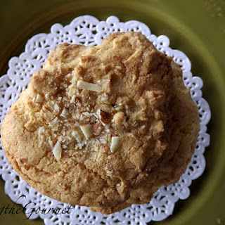 Easy Chinese Almond Cookies!!!