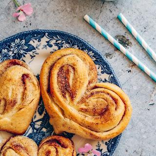 Russian Cinnamon Buns (Plushki).