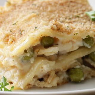 1. Garlic Parmesan Chicken Pasta Bake