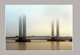 Photo: Pont J. Chaban-Delmas